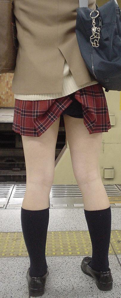 女子高生が大好きな変態紳士が厳選したJKエロ画像!!!!!!!!!! jKunHbr