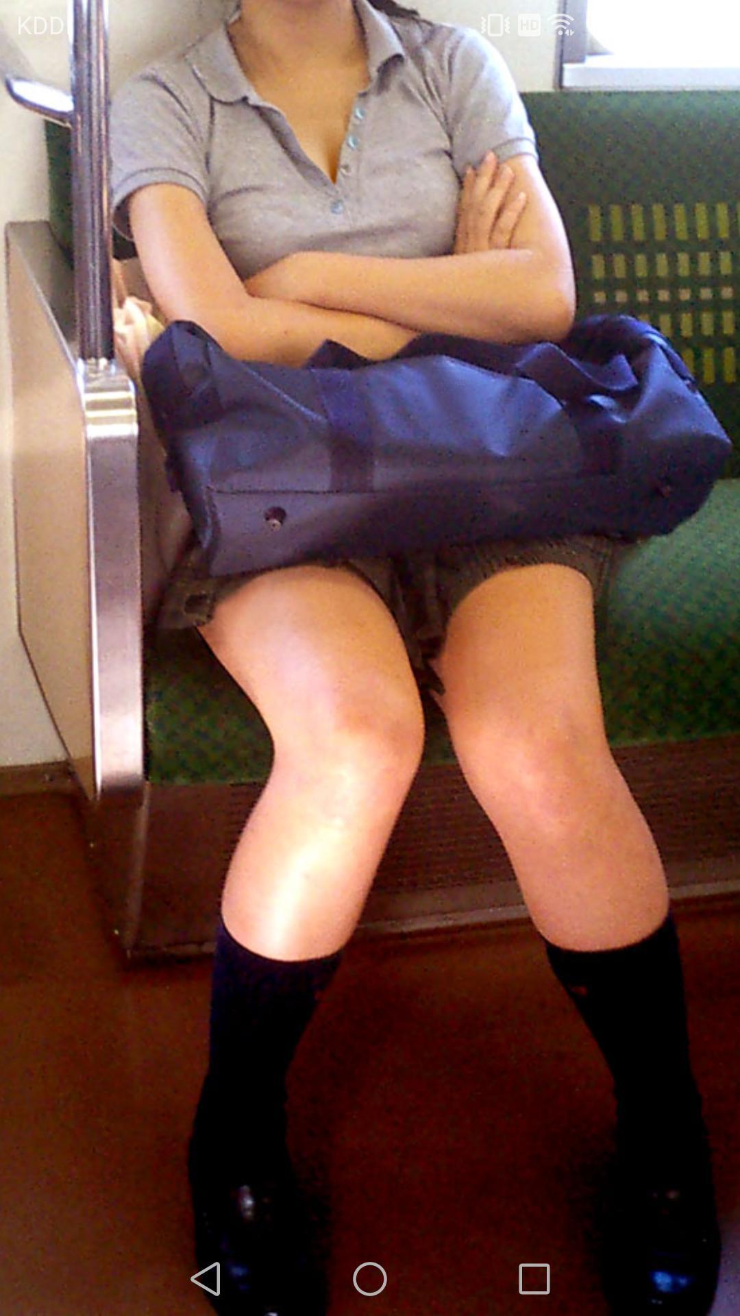 ドスケベボディのJKさん、電車内で居眠りをしてしまうwwwwwwwwwwwwwww ygvlqjx