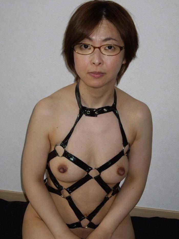 SM調教プレイを楽しむ人妻って何考えてんのぉーwwwドスケベな変態な素人エロ画像だぁーwww 2014
