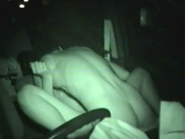 カーセックスの名所でガチ本番してるカップル隠し撮りしたぜぇーwww 1019