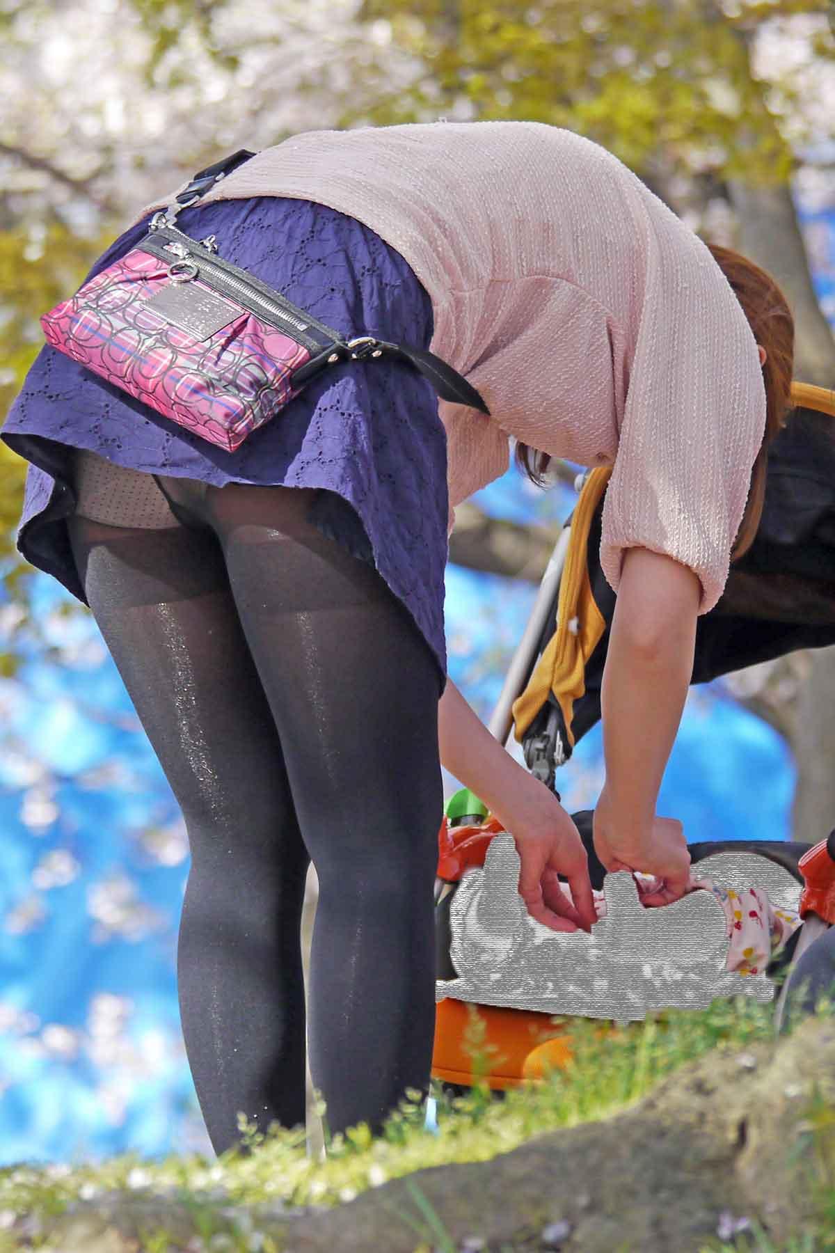公演は最高のパンチラスポットだぁーwww可愛い女の子のパンツ撮り放題だぞぉーwww 1229