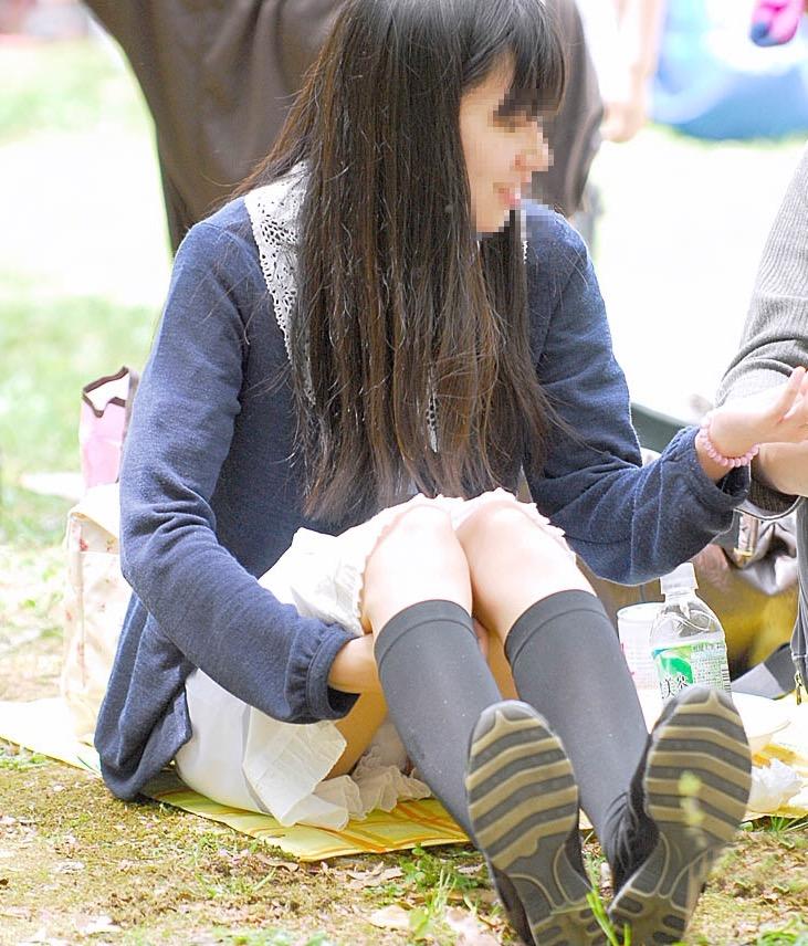 公演は最高のパンチラスポットだぁーwww可愛い女の子のパンツ撮り放題だぞぉーwww 1238