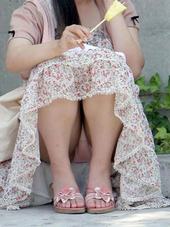 公演は最高のパンチラスポットだぁーwww可愛い女の子のパンツ撮り放題だぞぉーwww 1253