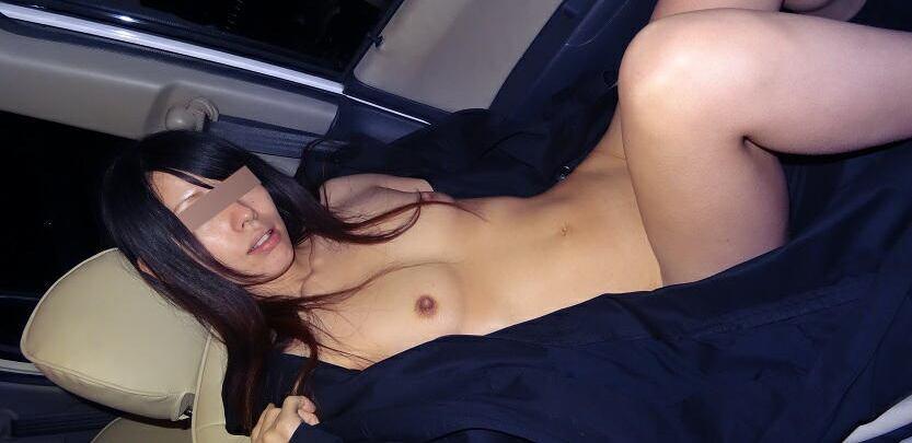 車乗ってるとムラムラするカップルが我慢できずにカーセックス!!!!!! 14229