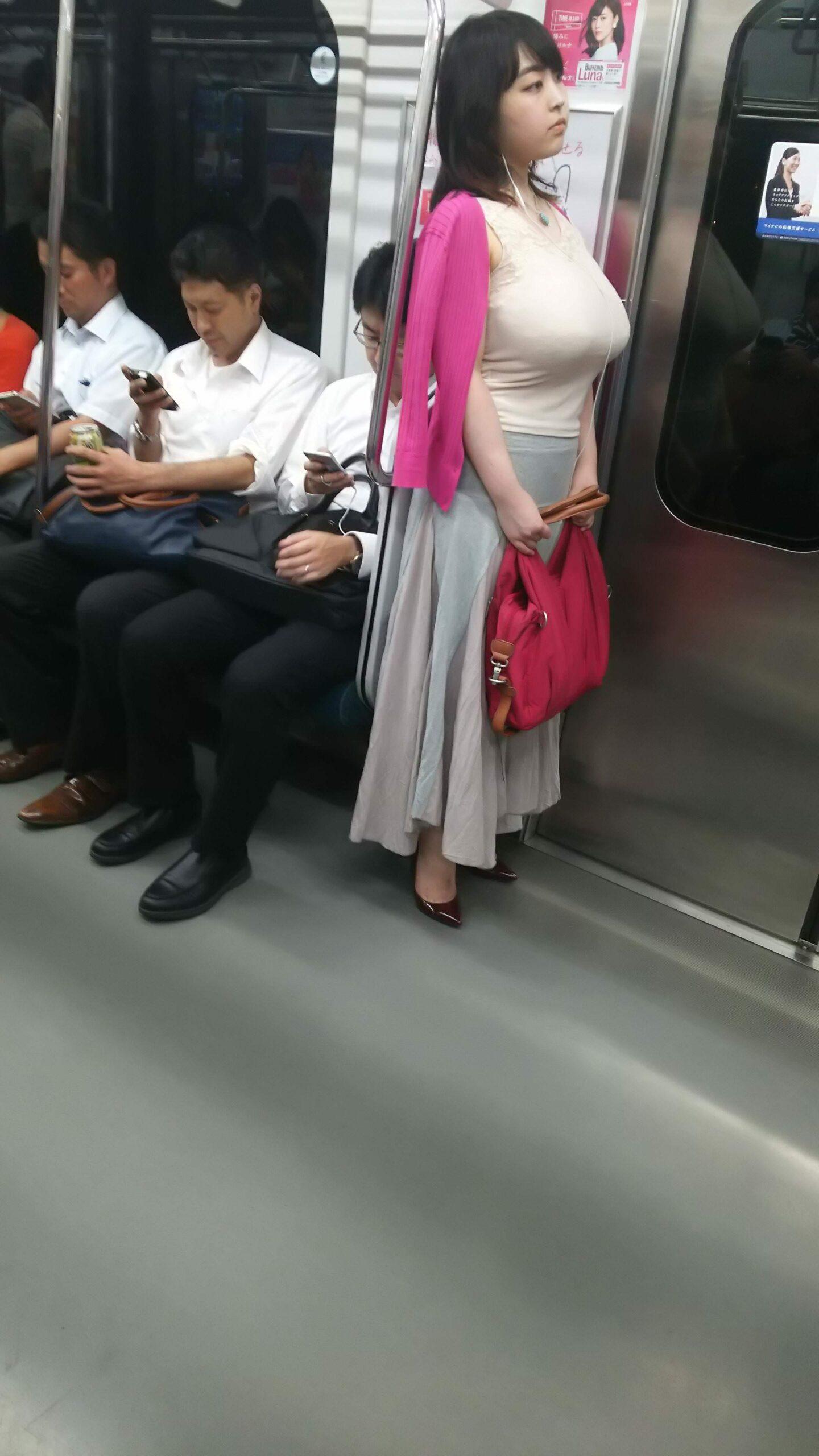 電車で生パンツとか生おっぱい見せつけてくる女さんwwwwwwwwwwwww h3ebPpH scaled