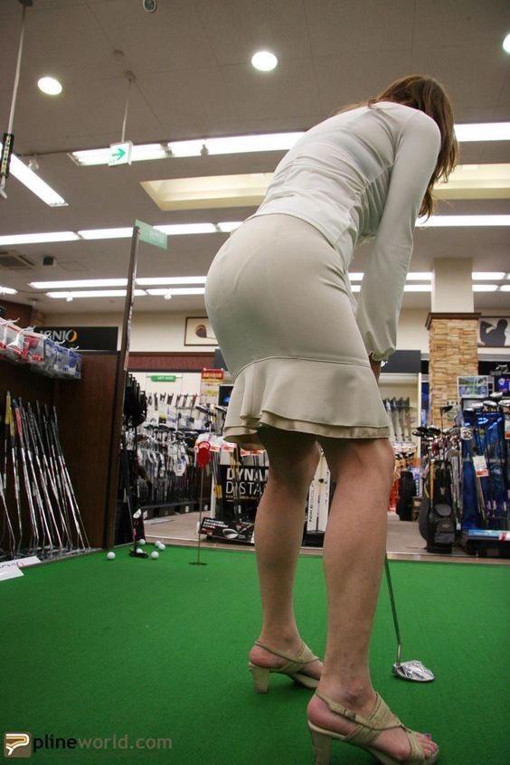 働く女性のお尻とか胸チラしてるOL画像くださいwwwwwwwwwwwwwwww 1h9r6Pa