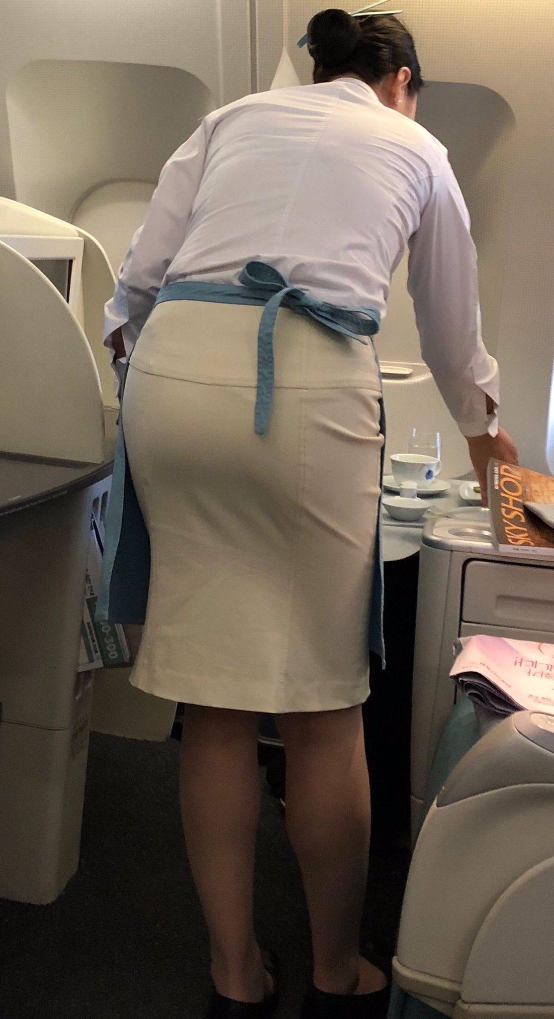 働く女性のお尻とか胸チラしてるOL画像くださいwwwwwwwwwwwwwwww Rki9XBP