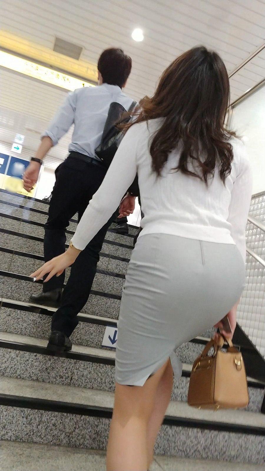 働く女性のお尻とか胸チラしてるOL画像くださいwwwwwwwwwwwwwwww aGwFS9l