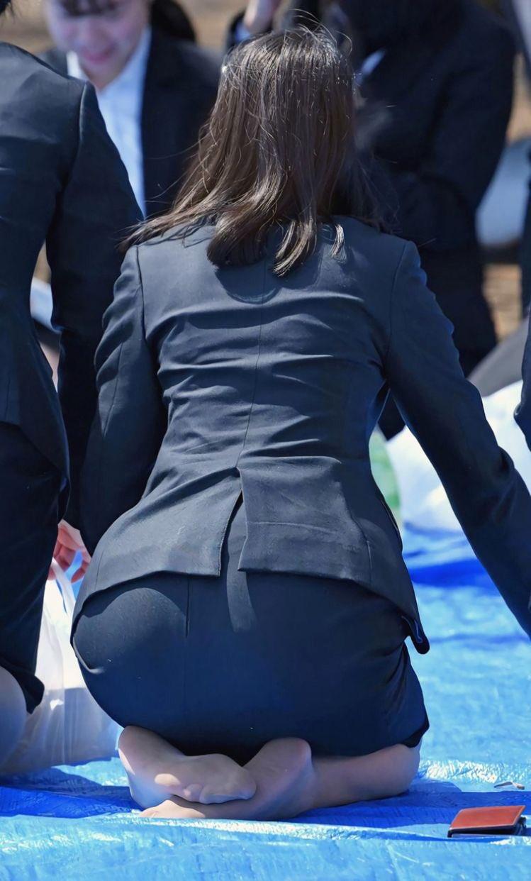 働く女性のお尻とか胸チラしてるOL画像くださいwwwwwwwwwwwwwwww bvx5p2z