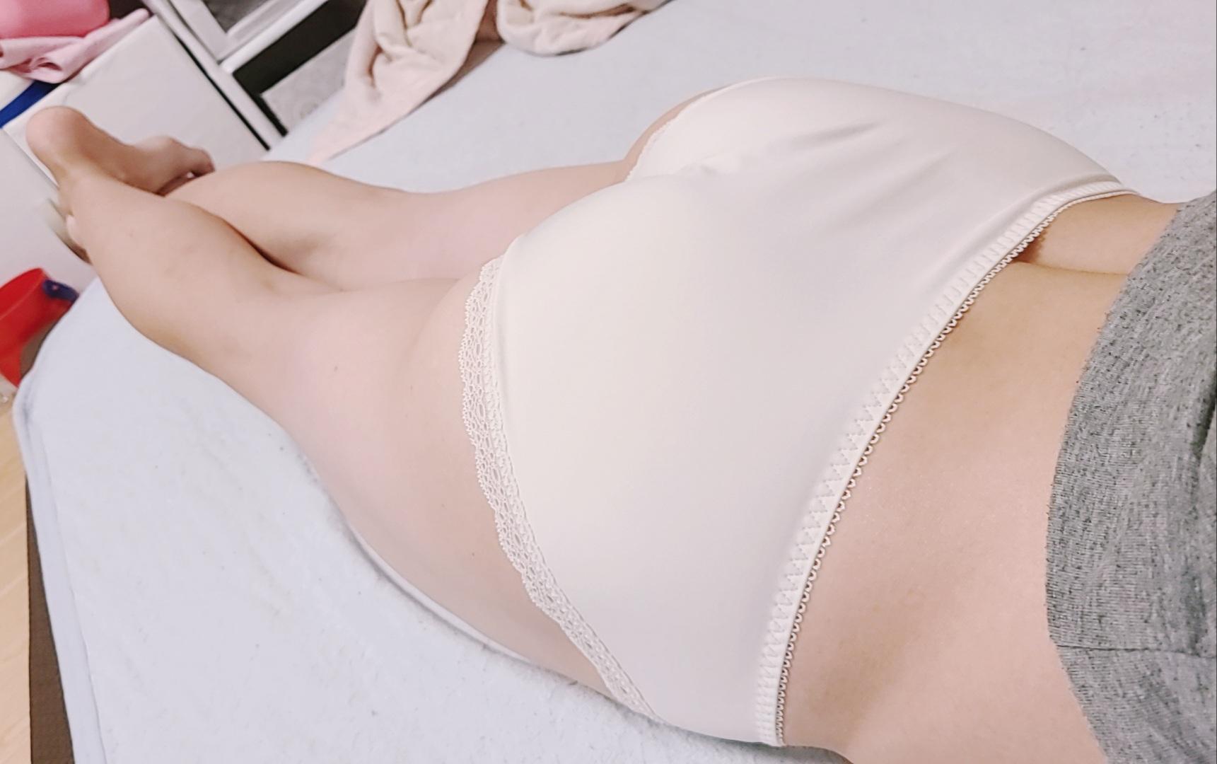 パンツ姿の女の子に股間がもっこりするスレwwwwwwwwwwwwwwwwwww wDUEOXb