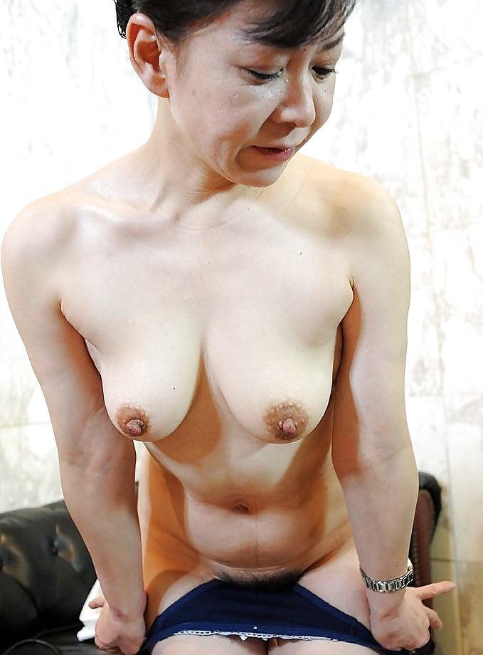 50代熟女のムチムチ巨乳おっぱいがエロすぎると話題にwwwwwwwwwwwwwwww 2fRDuQQ