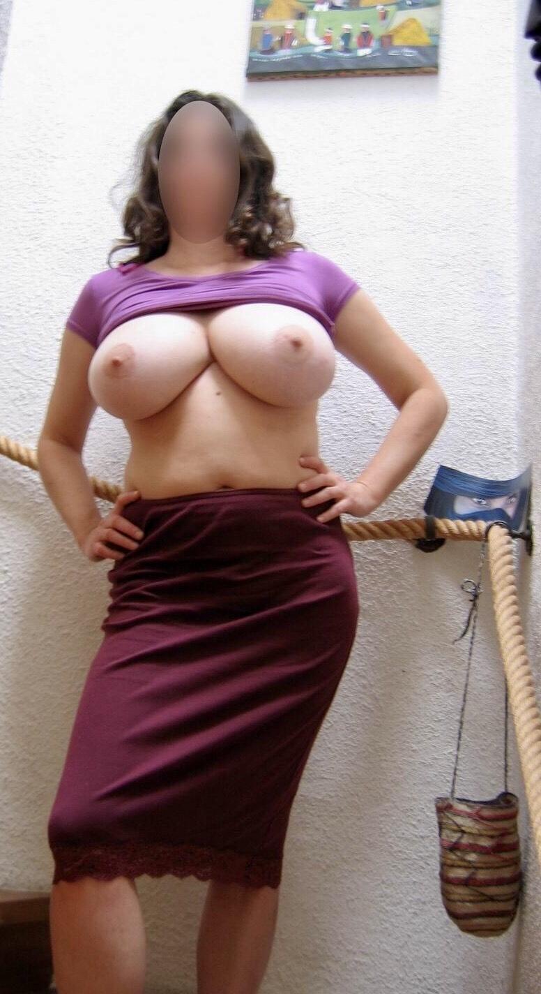 50代熟女のムチムチ巨乳おっぱいがエロすぎると話題にwwwwwwwwwwwwwwww 3IkDlfU 1