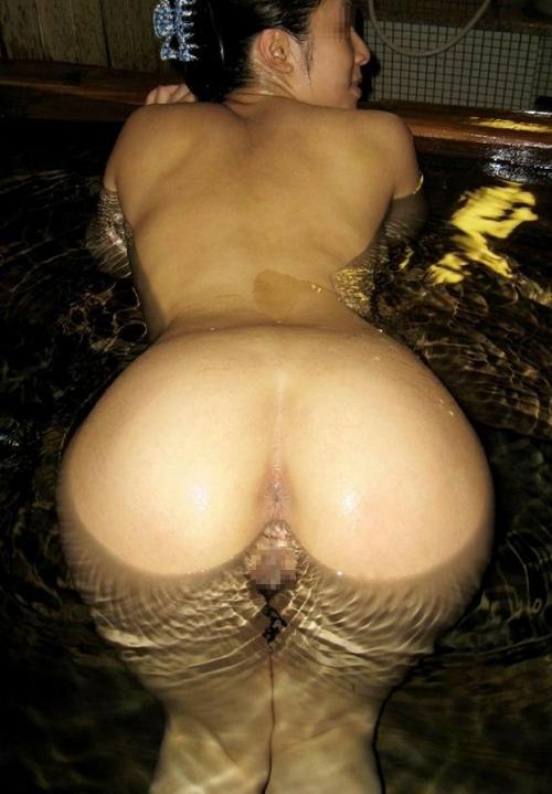 バックからガンガン突きたくなる形した良いお尻の彼女とハメ撮り画像wwwwwwwwwwwwwwww 1536