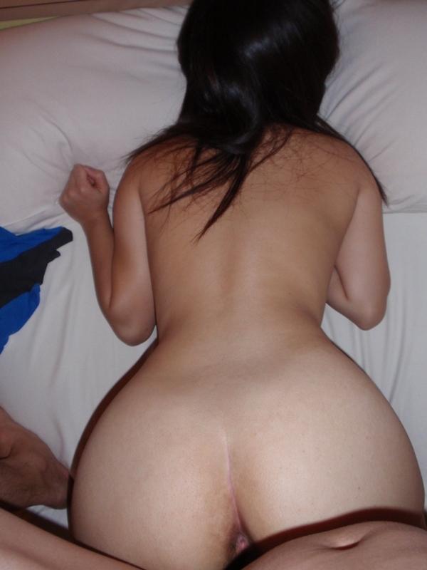 バックからガンガン突きたくなる形した良いお尻の彼女とハメ撮り画像wwwwwwwwwwwwwwww 1552