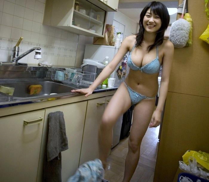 ありのままの生々しい姿で家の中をうろつく家庭内素人エロ画像がめっちゃ抜ける件!!!!!!!!!!!!! 08Ik8