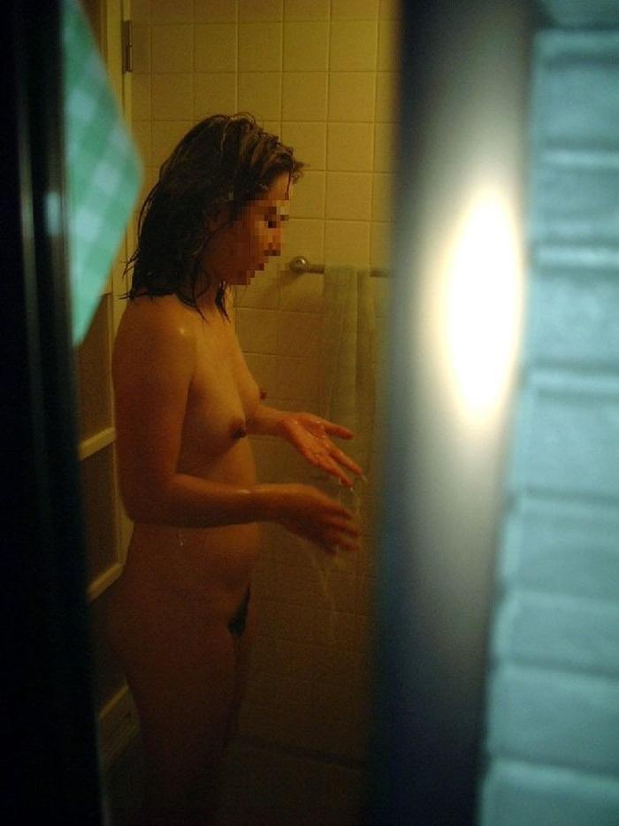 自宅で入浴中の素人娘たちの全裸姿をコッソリ覗いちゃったぜぇーwww 自宅の風呂に入っている彼女や家族の素人ヌードだぁーwww 72l2Y2