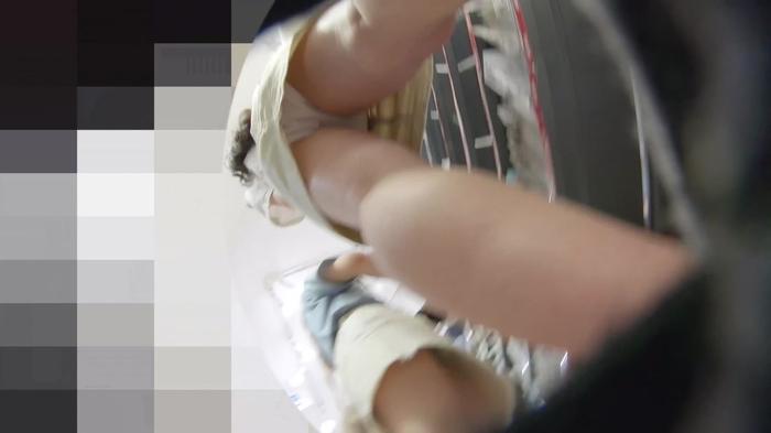 韓流グッズを買い物中のJDっぽい素人娘の逆さパンチラだぁーwwwこれってガチ盗撮画像じゃねーのーwww J8yWT2m