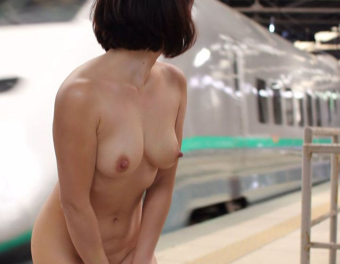 露出趣味の女さんとなら野外セックス楽しめそうだよなぁーwwwスリル感じながらズッコンバッコンHしてぇーwww 8cxC5457jB6 1