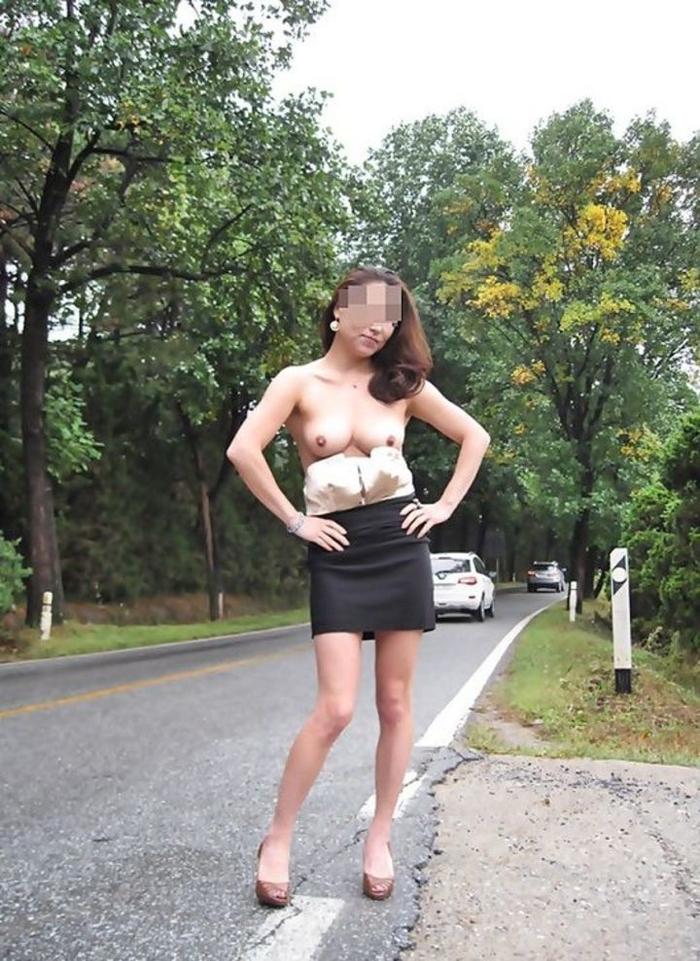 露出趣味の女さんとなら野外セックス楽しめそうだよなぁーwwwスリル感じながらズッコンバッコンHしてぇーwww siexzbud0EdcV