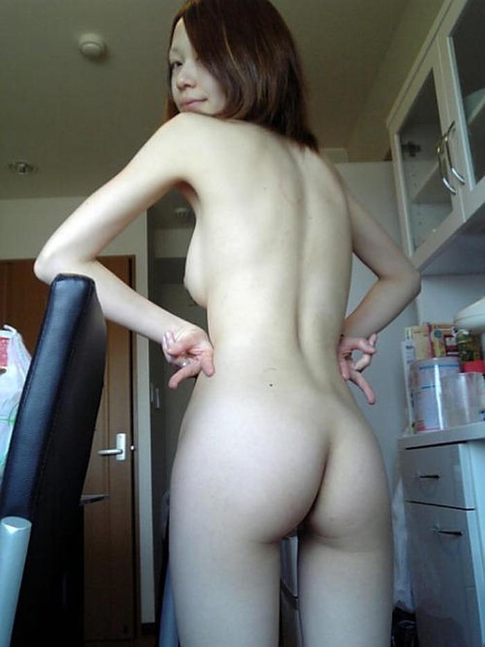 彼女が全裸でセックス誘ってくるからエロ画像撮影したぞぉーwww結構抜けるよなぁーwww Fe6VhgD60V4G0d1