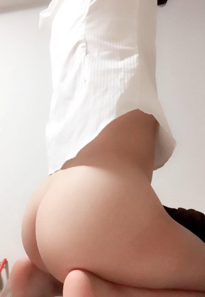 生々しいだらしないお尻を披露する素人の自撮りエロ画像 enXq8PBwJ8i5qE