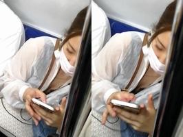 ワイ電車内でお姉さんのおっぱいの谷間を鑑賞をしてしまうwwwwwwwwww