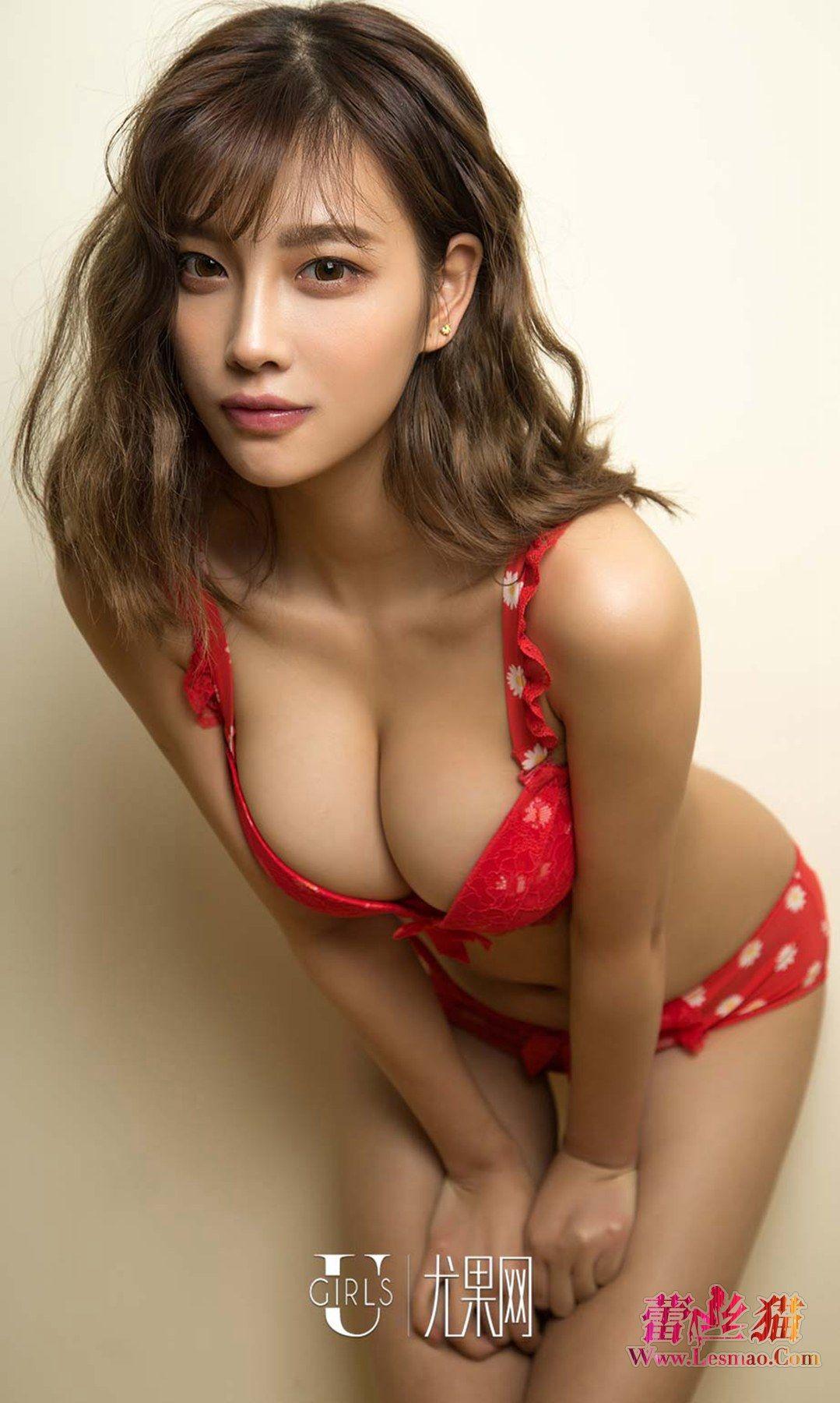 赤色がセクシーなお姉さん下着姿のエロ画像 82dlLqFY