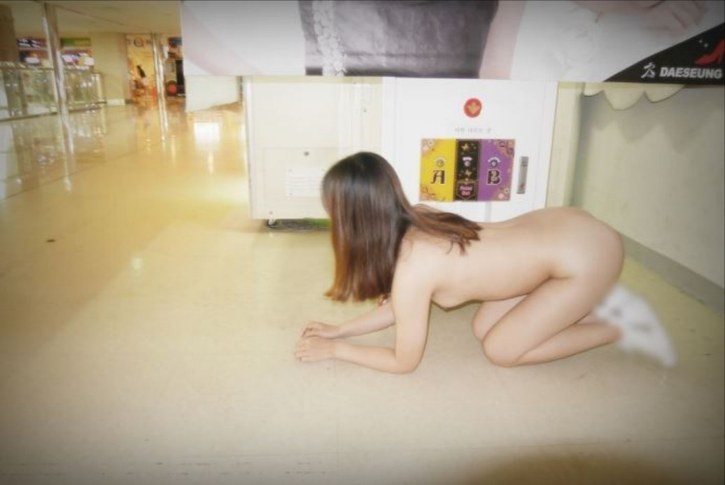 アジア系野外露出がめっちゃエロいぞぉーwwwド変態女のエロ画像だぁーwww I9OYxTqe5