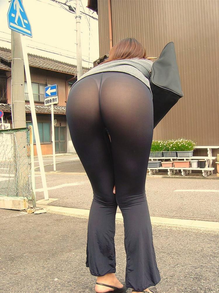 スパッツとかレギンス履いてる女体に視線行ってしまう街撮りエロ画像 R47qpj04Fe2yt