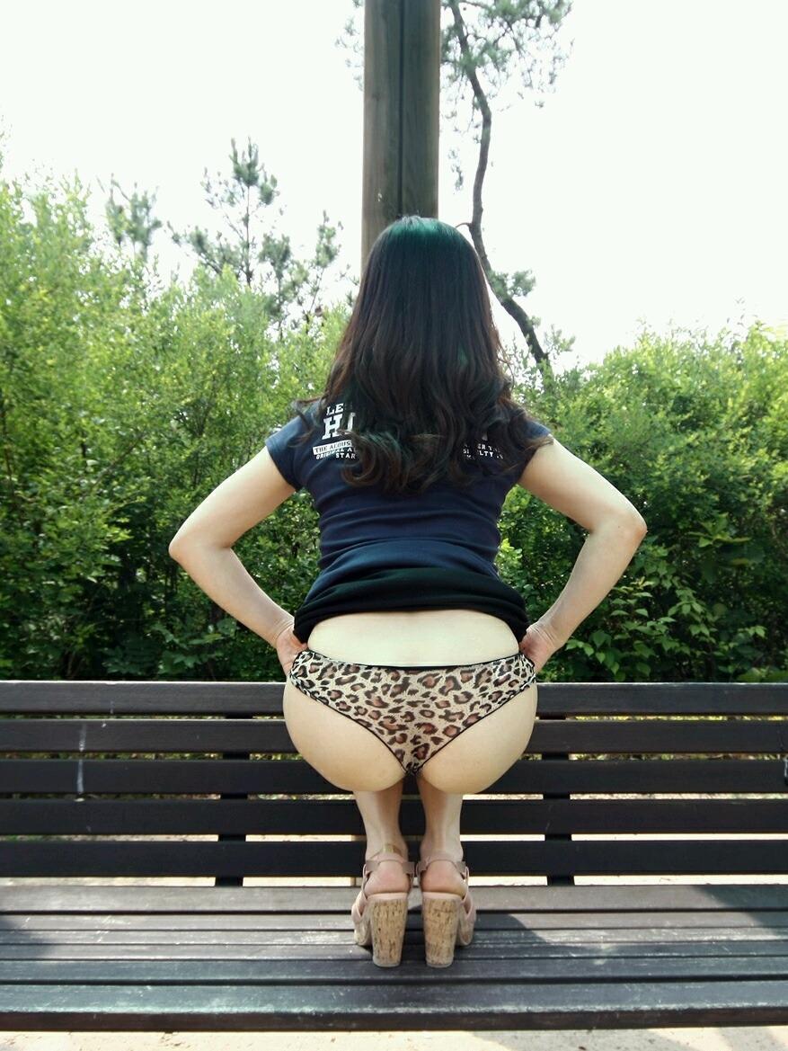 アジア系野外露出がめっちゃエロいぞぉーwwwド変態女のエロ画像だぁーwww pOEKuF7hL
