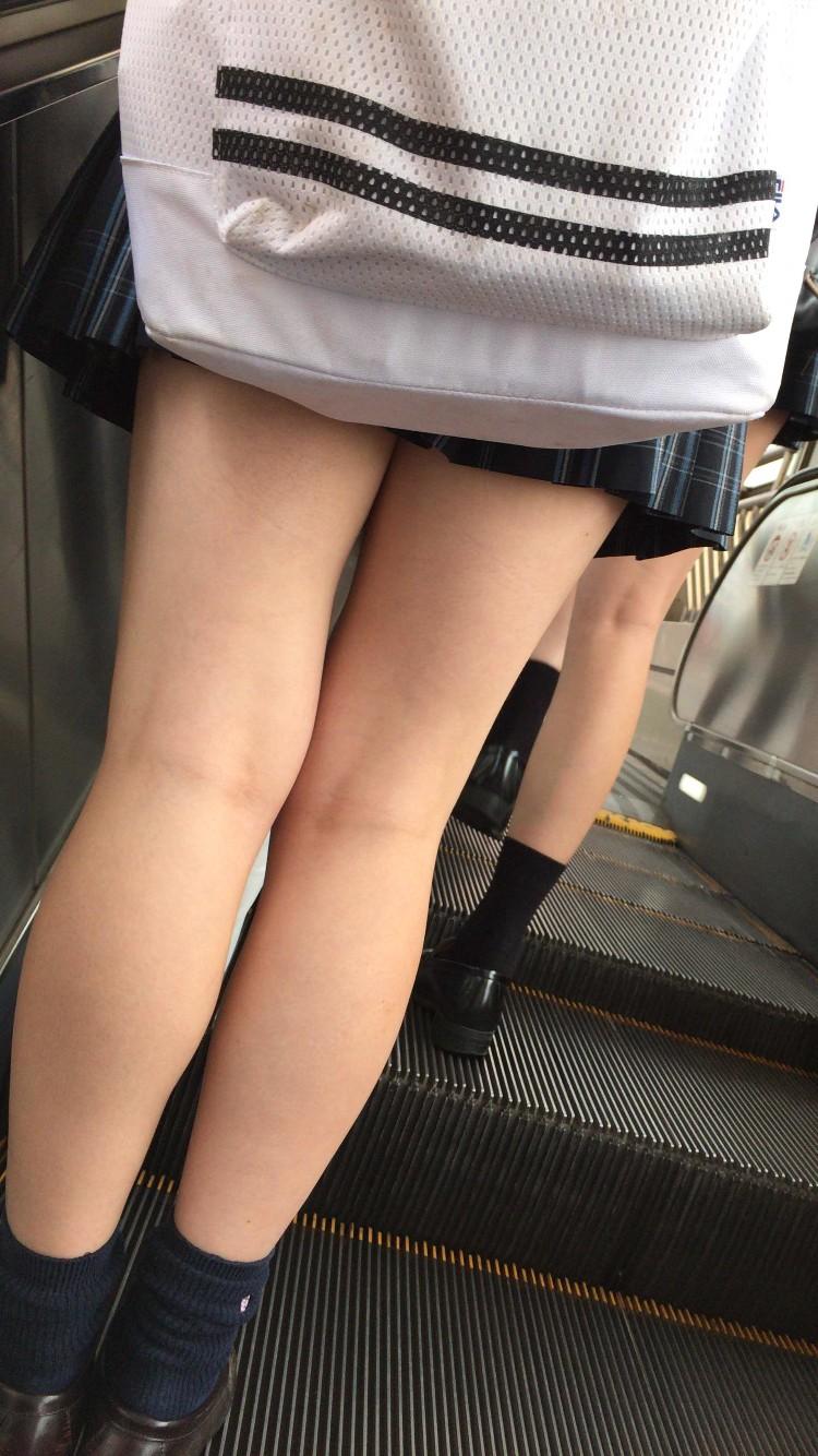 パンツが見えなくても抜ける女の子の太ももエロ画像 CxUkxTv