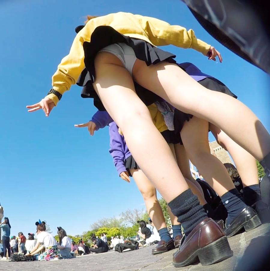 お姉さんのパンチラとか街撮りパンティーのエロ画像 E0H0tBmR4oi5v8N