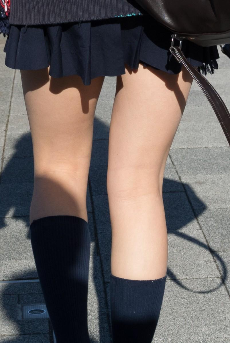パンツが見えなくても抜ける女の子の太ももエロ画像 P5M6ATWBVDagCL5