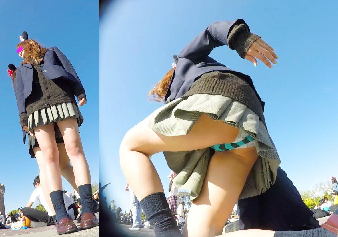 お姉さんのパンチラとか街撮りパンティーのエロ画像 UEAep9Q56U