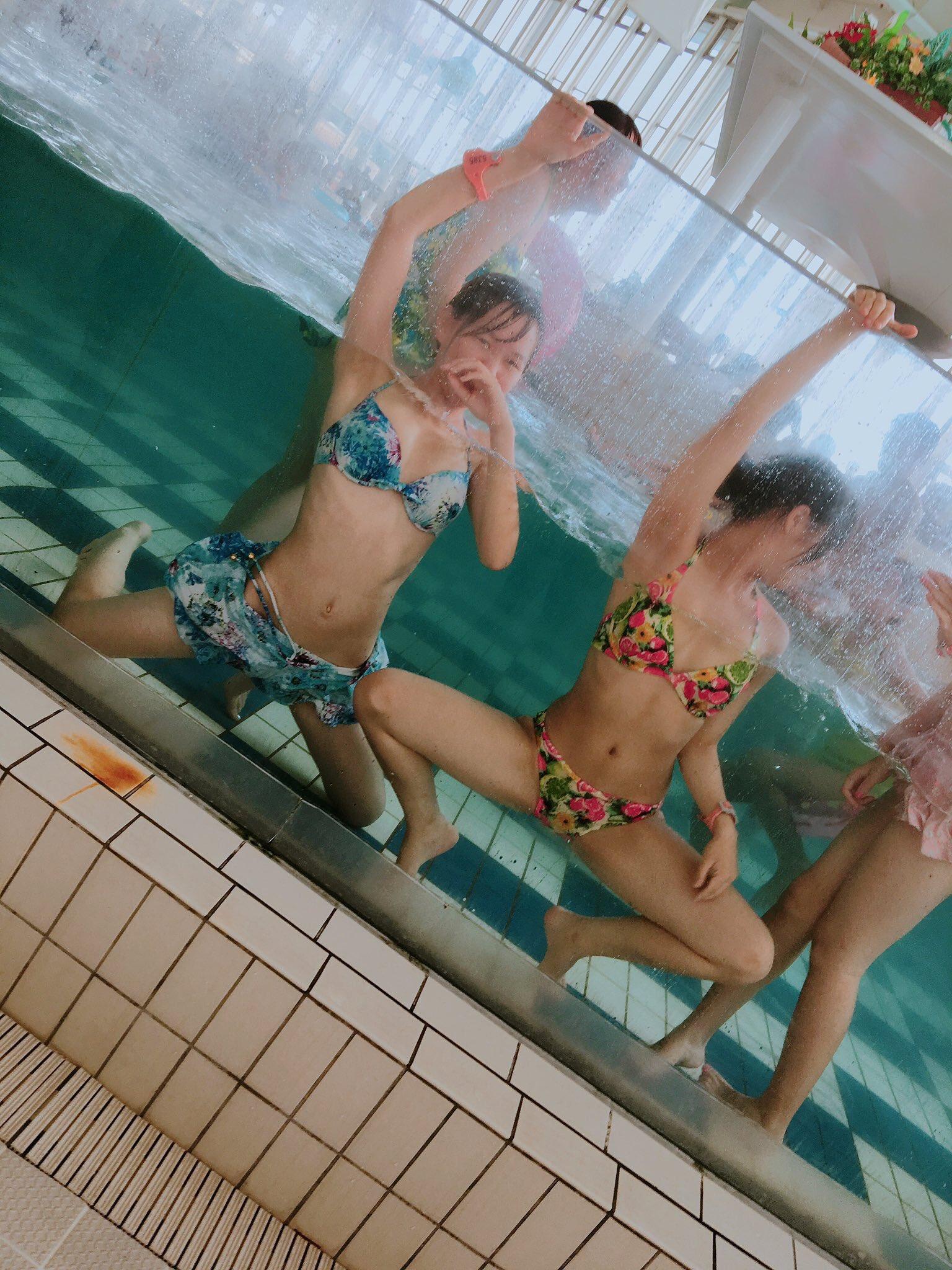 JKがフザケて撮った水着姿がくっそエッチなエロ画像wwwwwwwwwwwwww XKuFU7G