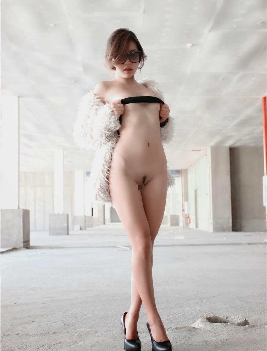 アジアン女性の野外露出が性的すぎてエッチなエロ画像 eDJCA0YX