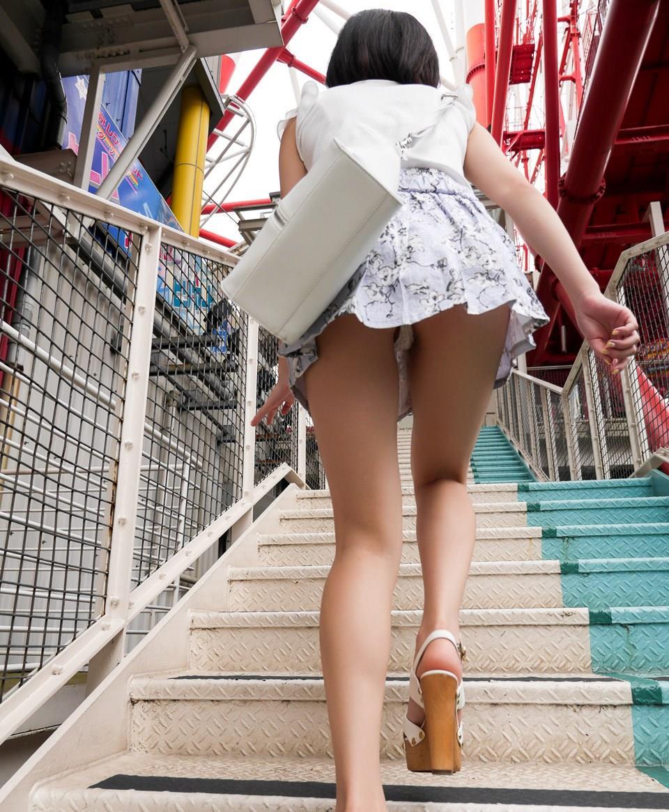 階段登るお姉さんのミニスカパンチラが超エッチwwwwwwwwwww ptKC0947F71uo02K