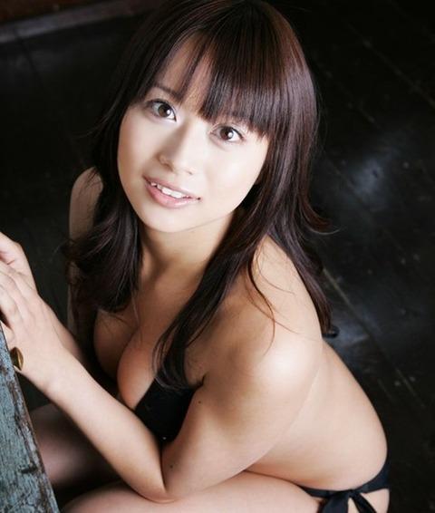 美巨乳おっぱいの佐野夏芽のエロ画像 0065cb54 s