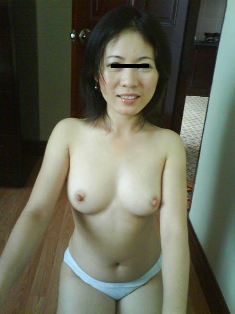 程よくたるみ始めた人妻熟女の素人エロ画像 07362c40