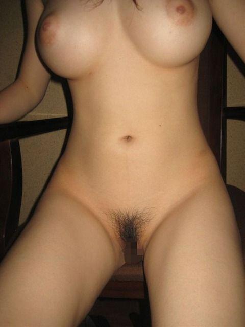 素人なのに巨乳で美乳で乳首がキレイなお姉さんのエロ画像 222769eb