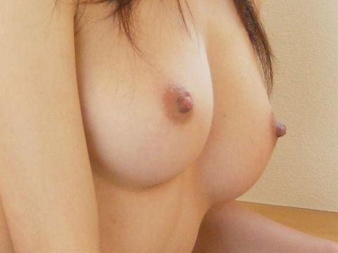 素人でも素晴らしい美巨乳をもつ娘たちのエロ画像 261bc8eb