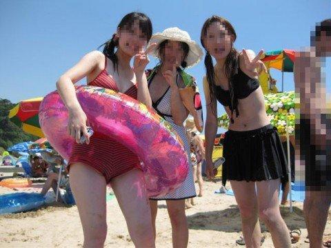 夏の陽気に開放的になった素人娘のビキニおっぱいエロ画像 27d23692