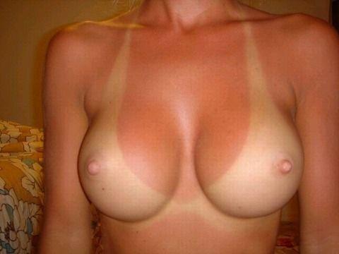 日焼けあとが残った体が卑猥な素人エロ画像 36d3a1f3
