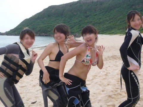 夏の陽気に開放的になった素人娘のビキニおっぱいエロ画像 4682725b