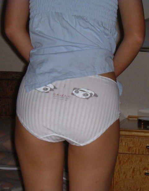 パンツがアニメキャラとか可愛い下着の素人娘のエロ画像 4e01ccb2