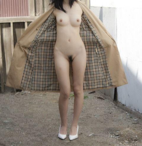 男よりも変態な素人女子の野外露出のエロ画像 50505f01