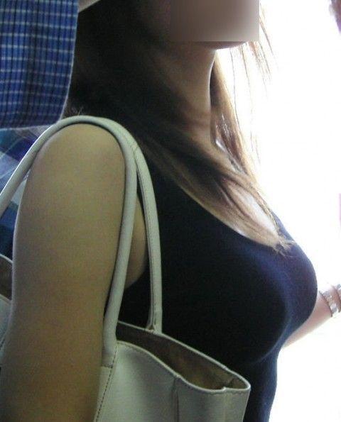街往く巨乳おっぱいのお姉さんの素人盗撮エロ画像 519d8620