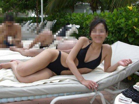 夏の陽気に開放的になった素人娘のビキニおっぱいエロ画像 54b081a8