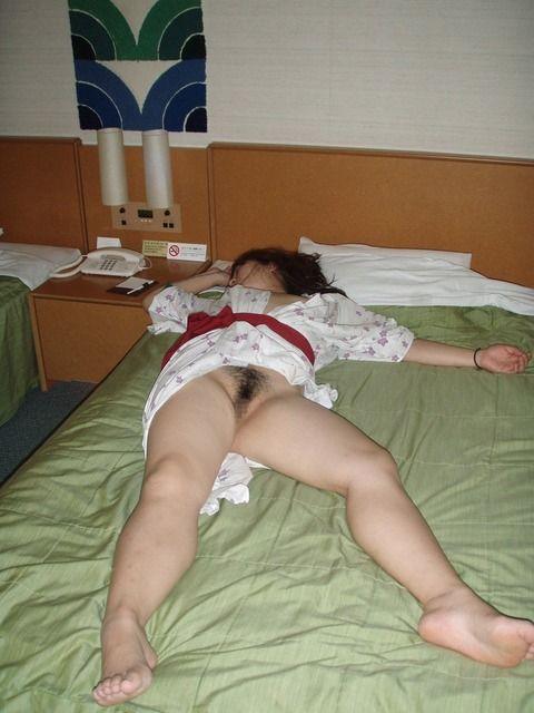不倫旅行でセフレが流出させた人妻の浴衣姿の素人エロ画像 5f3b0fdf