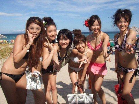 ビーチで出会ったビキニギャルが巨乳おっぱいだった素人エロ画像 642454f2